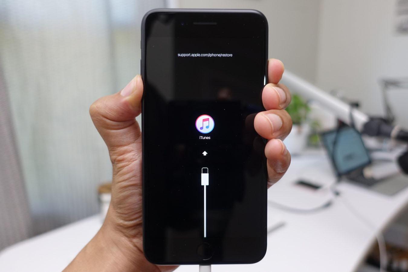 iphone x bị đơ không tắt được nguồn